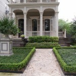 THE HEDGE: A CLASSICAL GARDEN ELEMENT