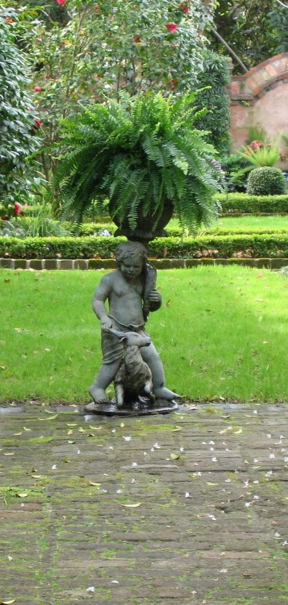 statuary at terminus